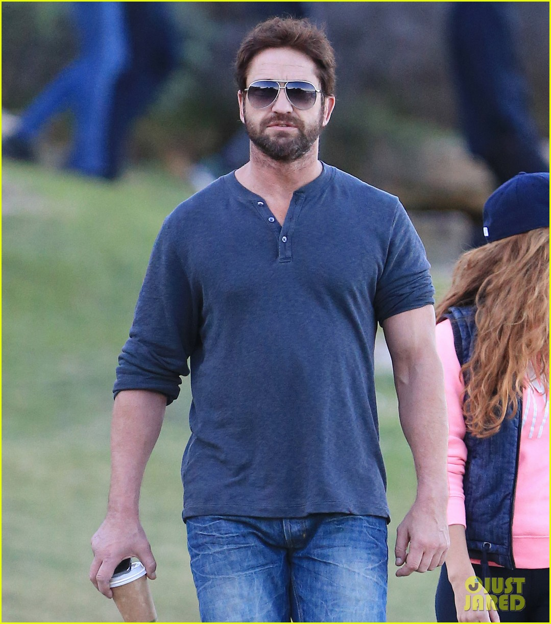 gerard butler steps out in bondi with mystery woman 053105506