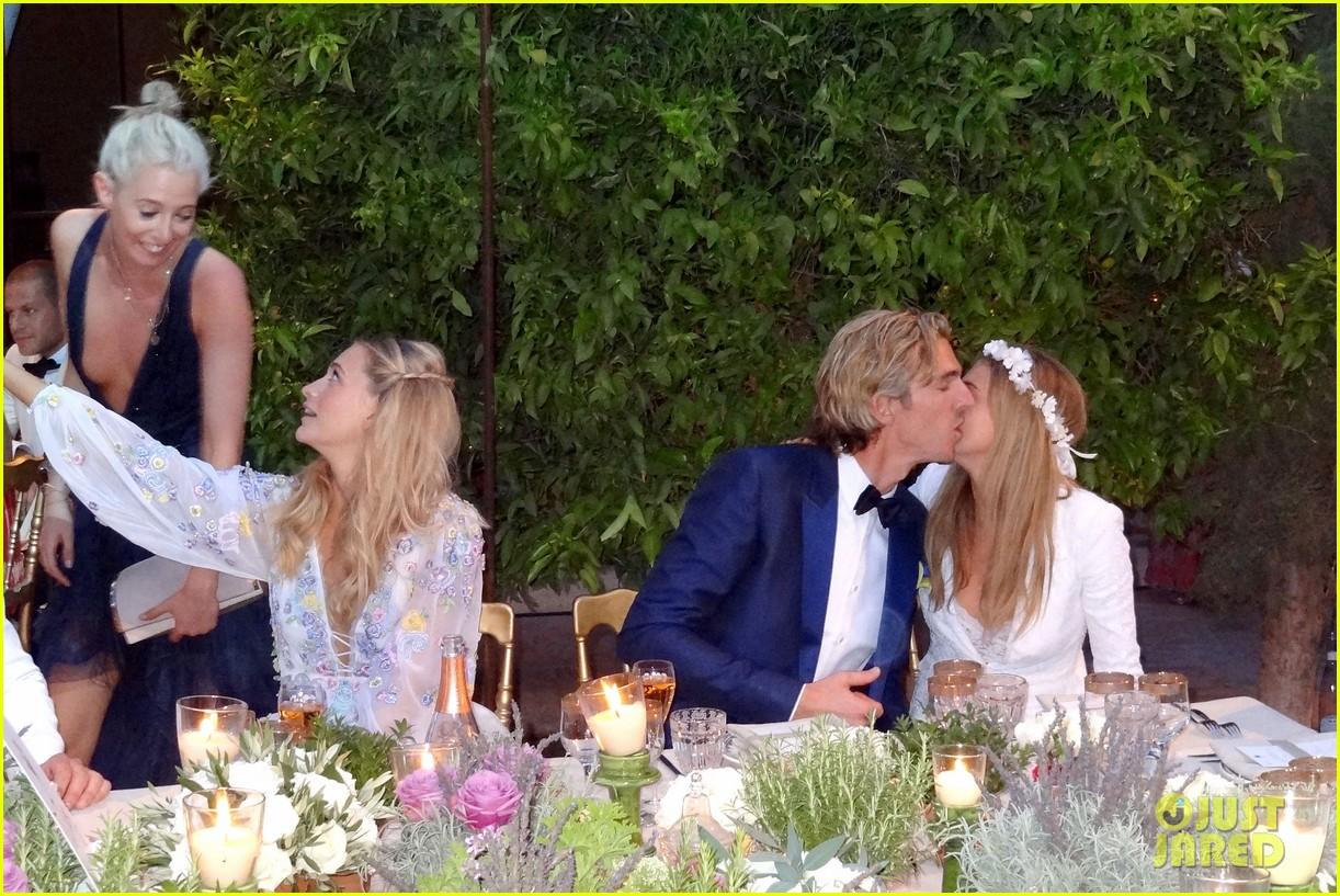cara delevingne sister poppy second wedding morocco 123122404