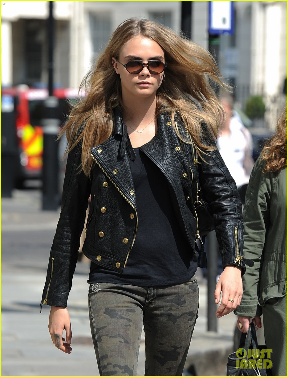 cara delevingne suki waterhouse have another night on the town 063102767