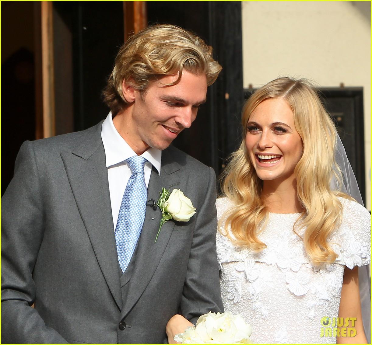 cara delevingne sister poppys wedding 113115976