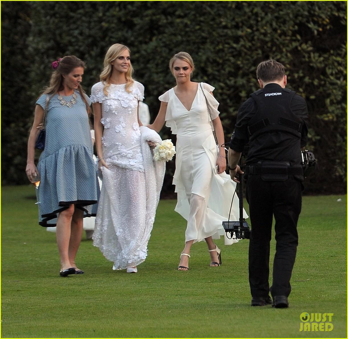cara delevingne sister poppys wedding 203115985