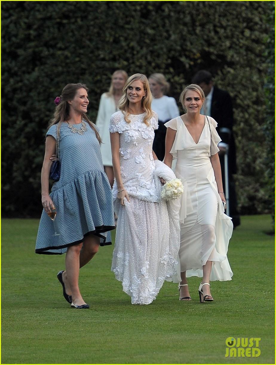 cara delevingne sister poppys wedding 213115986