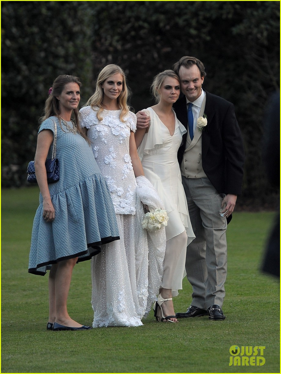 cara delevingne sister poppys wedding 273115992
