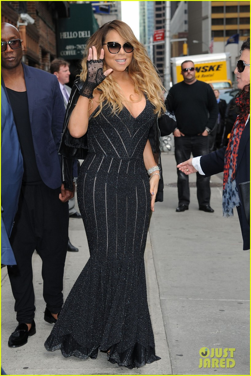 mariah carey rocks form fitting dress for letterman visit 06