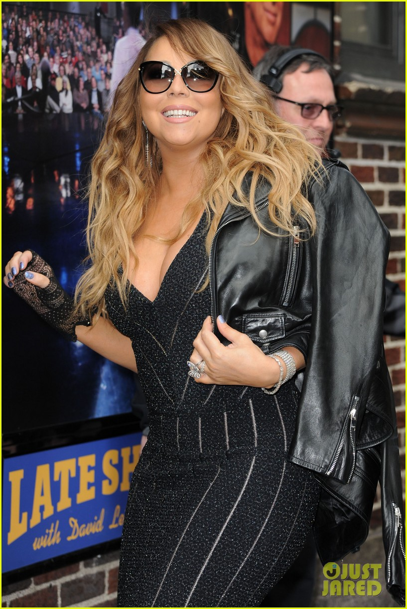 mariah carey rocks form fitting dress for letterman visit 083107855