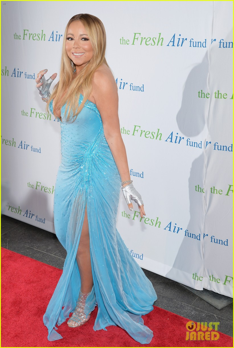 mariah carey flaunts major cleavage fresh air fund gala 073124327