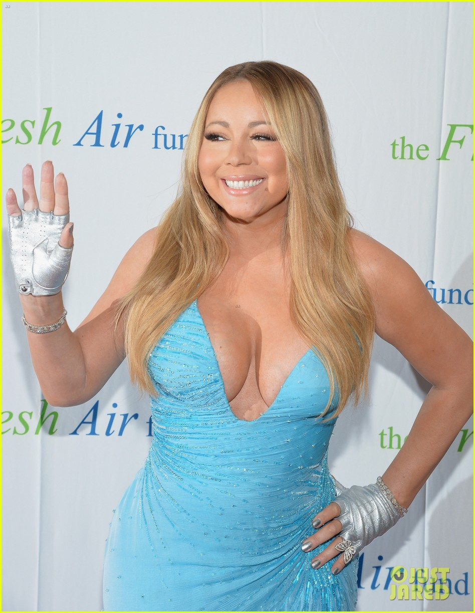 mariah carey flaunts major cleavage fresh air fund gala 103124330