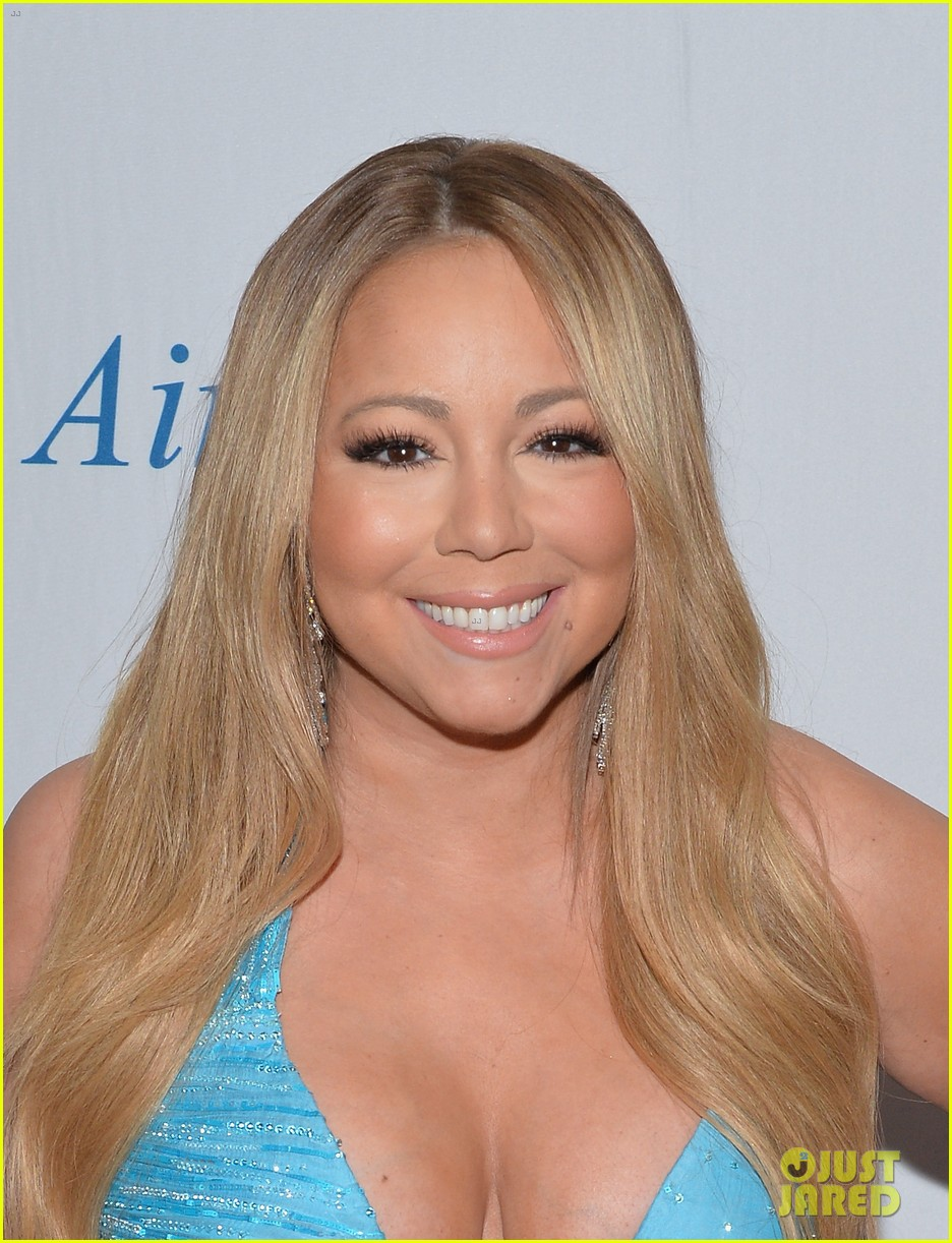 mariah carey flaunts major cleavage fresh air fund gala 113124331