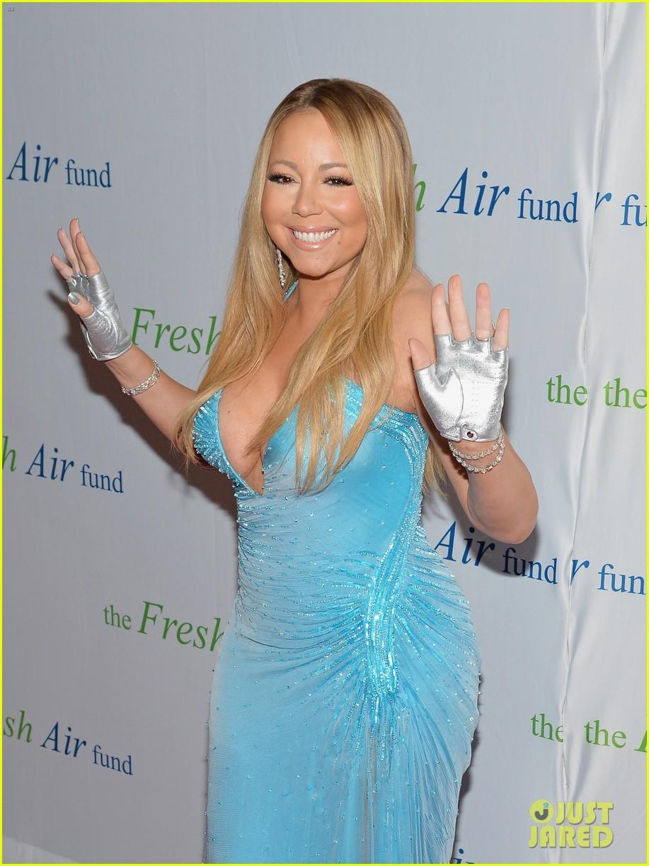 mariah carey flaunts major cleavage fresh air fund gala 133124333