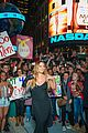 mariah carey shuts down times square with album promo 05