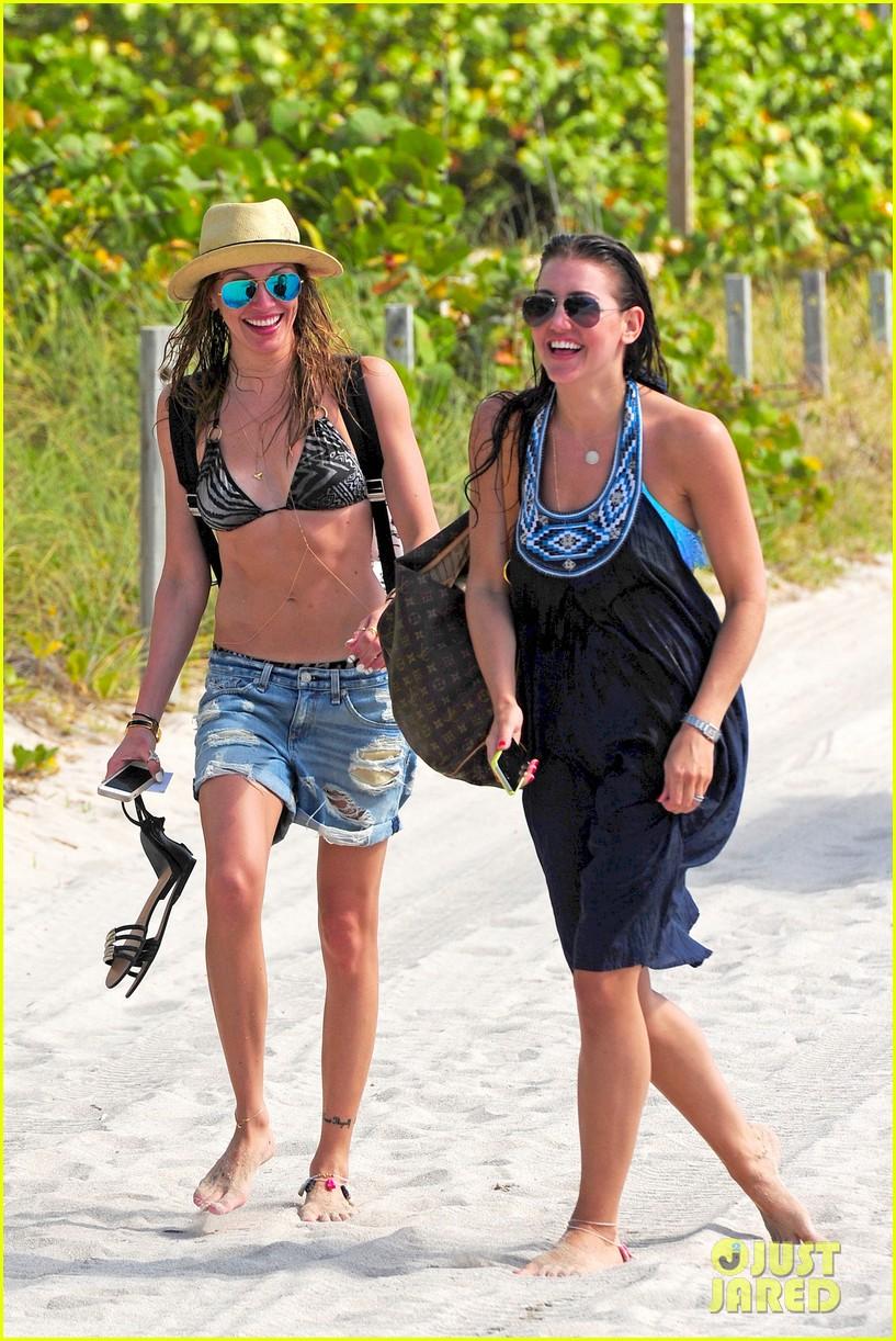katie cassidy takes bikini selfies in miami 133103896