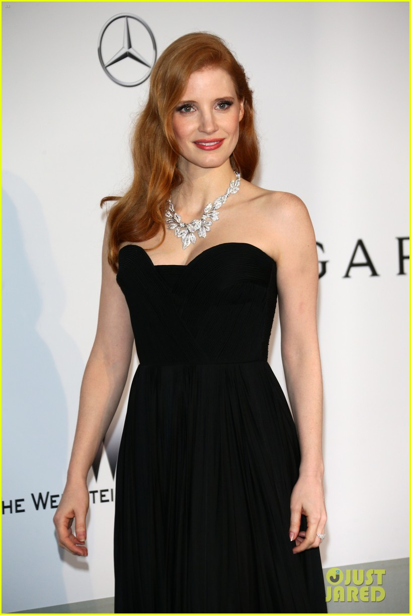 jessica chastain is classic in black for cannes amfar gala 2014 02