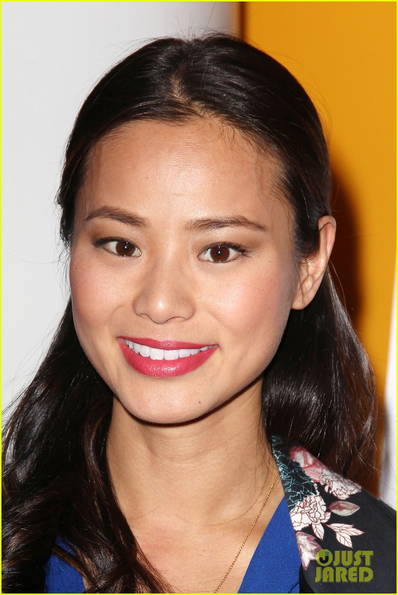 jamie chung supports bryan greenberg at short history of decay 02