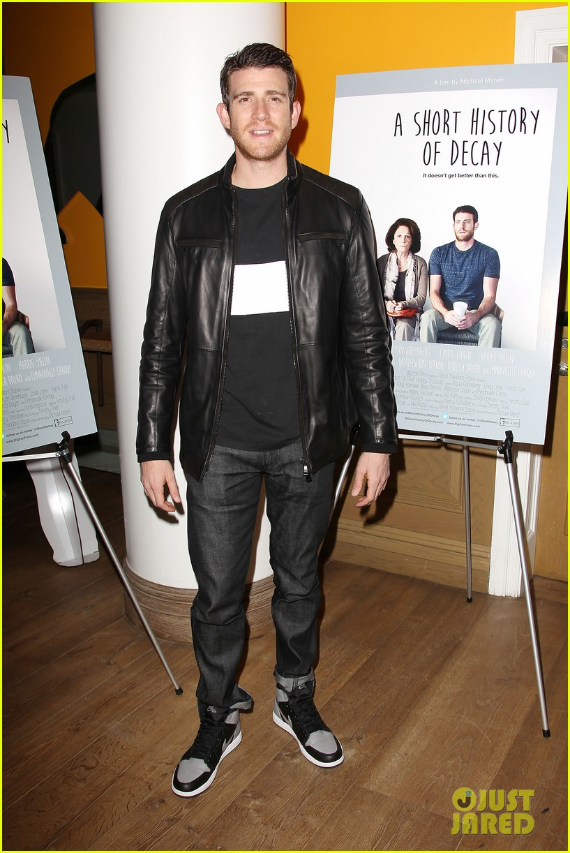 jamie chung supports bryan greenberg at short history of decay 063106778