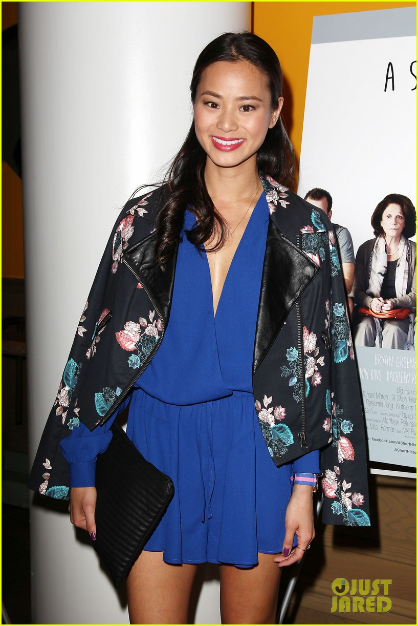 jamie chung supports bryan greenberg at short history of decay 123106784