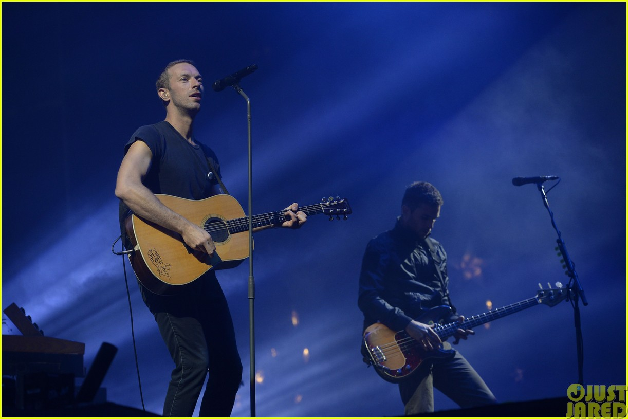 coldplay and pharrell bring happy to radio 1 big radio weekend concert213121597