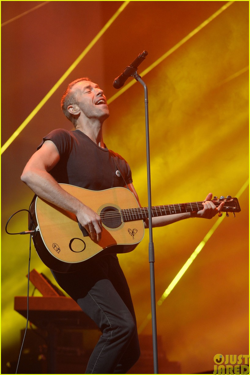 coldplay and pharrell bring happy to radio 1 big radio weekend concert263121602