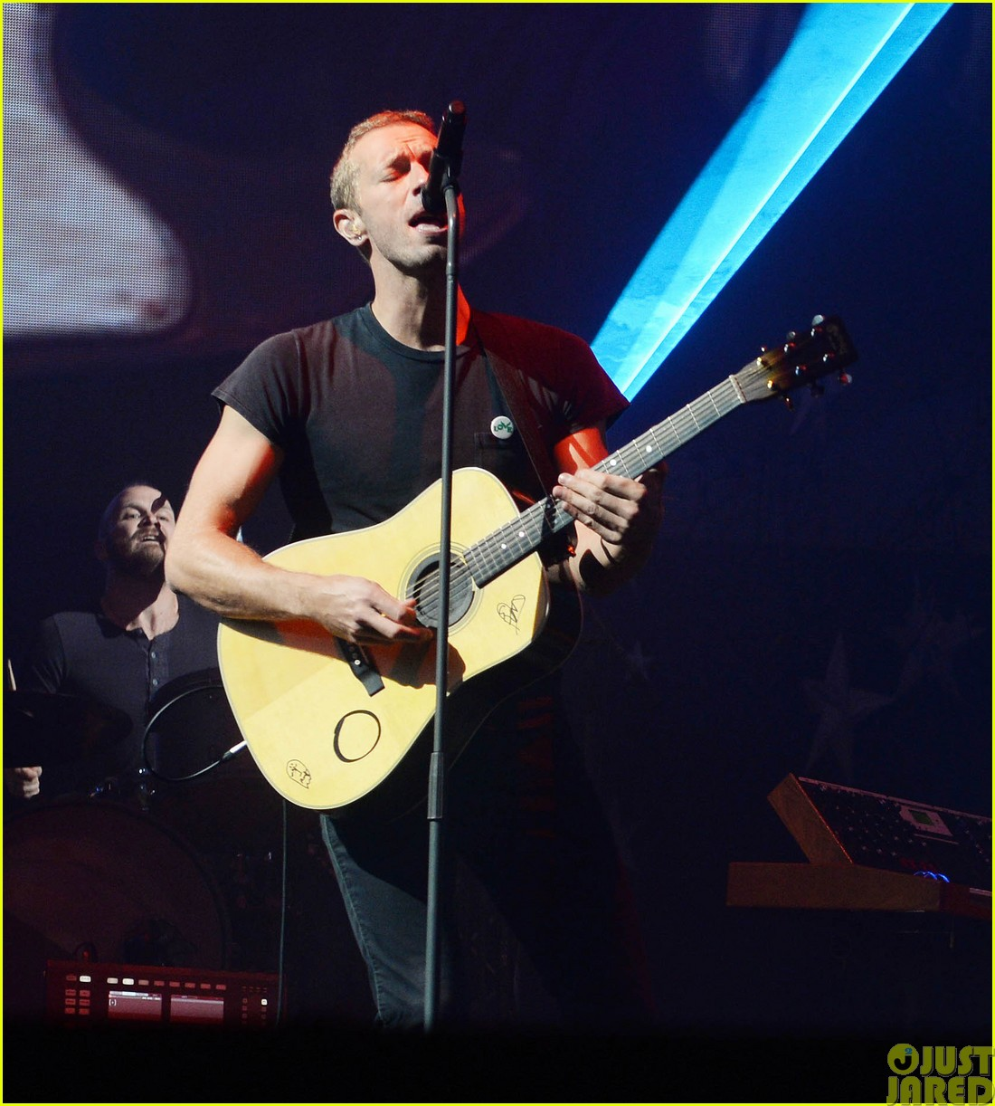 coldplay and pharrell bring happy to radio 1 big radio weekend concert303121606