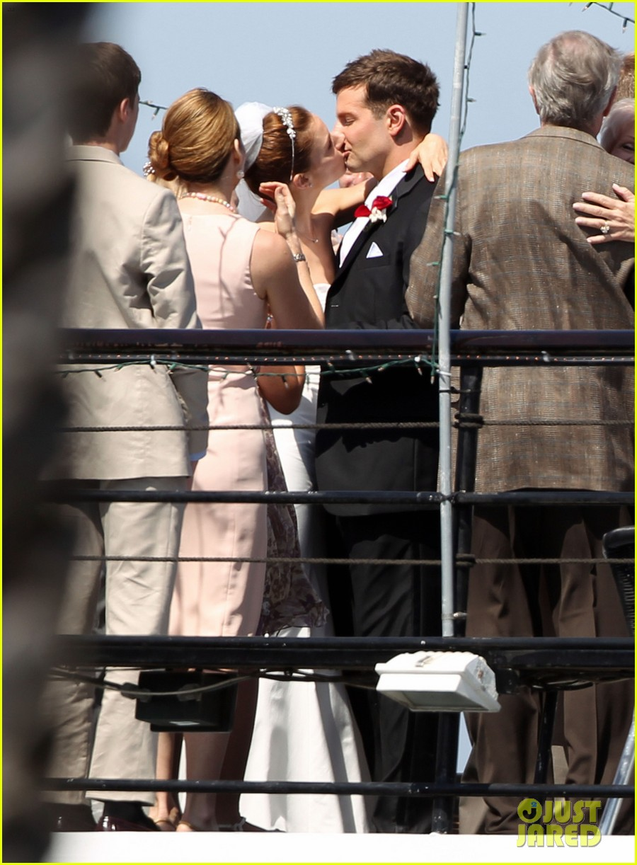 bradley cooper sienna miller just got married 053124889