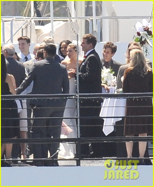bradley cooper sienna miller just got married 163124900