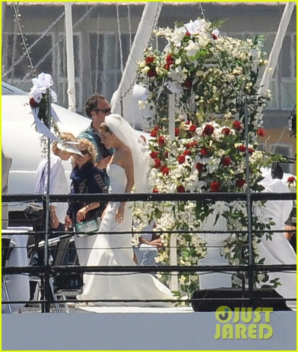 bradley cooper sienna miller just got married 173124901