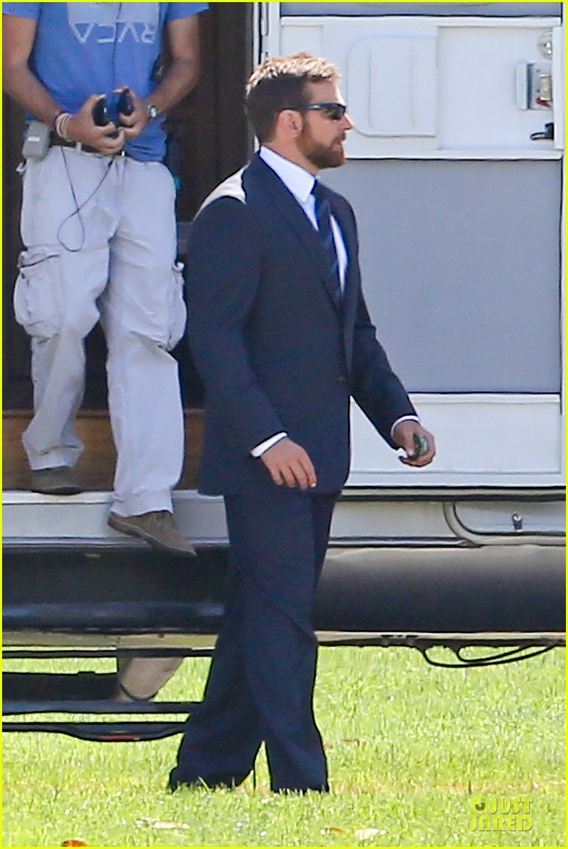 bradley cooper buff on american sniper set 063112814