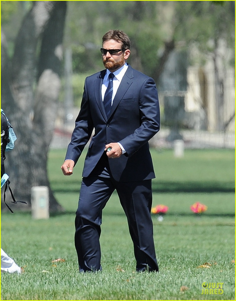 bradley cooper buff on american sniper set 243112832