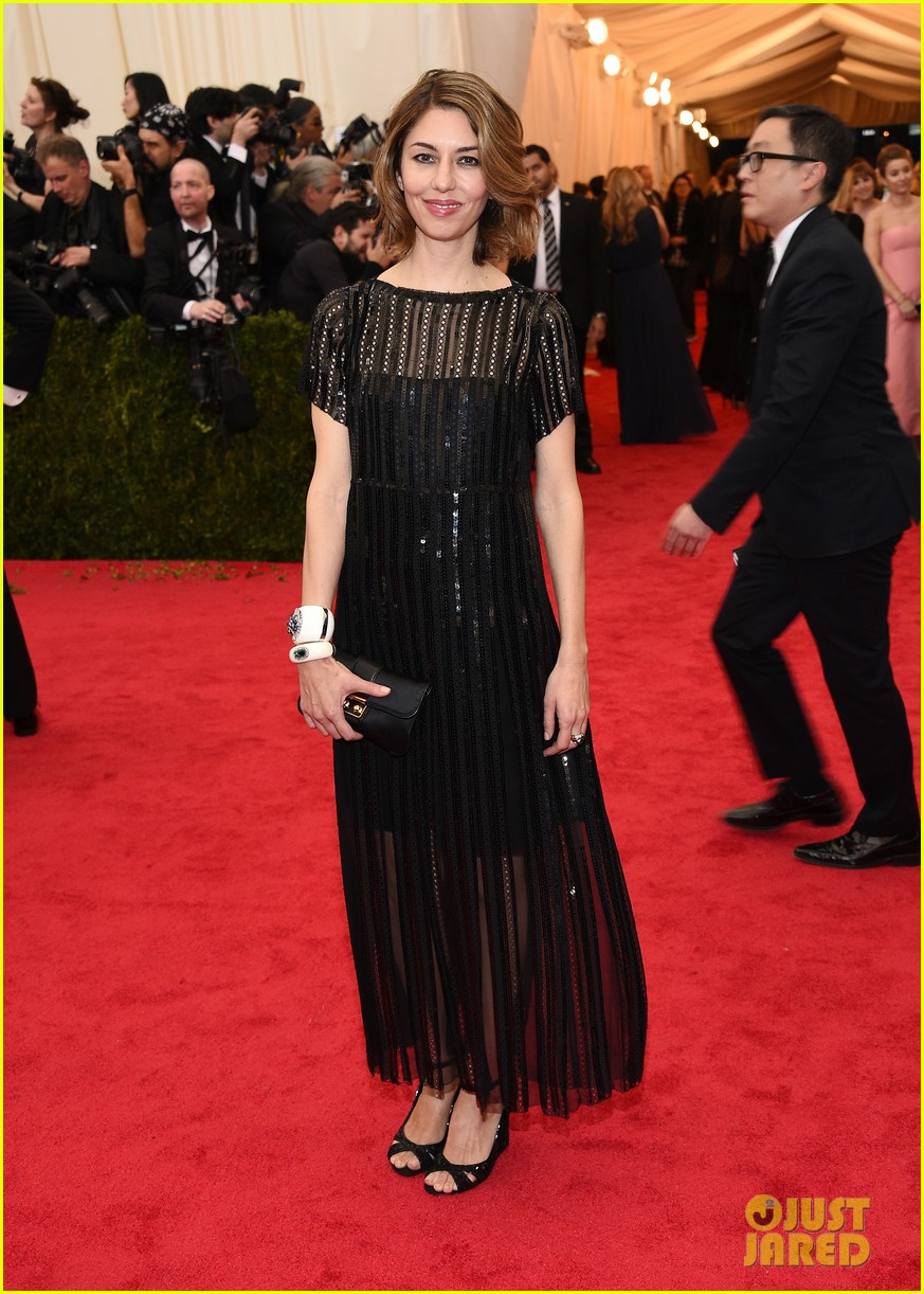 sofia coppola stands in front of the camera at met ball 2014 013106522