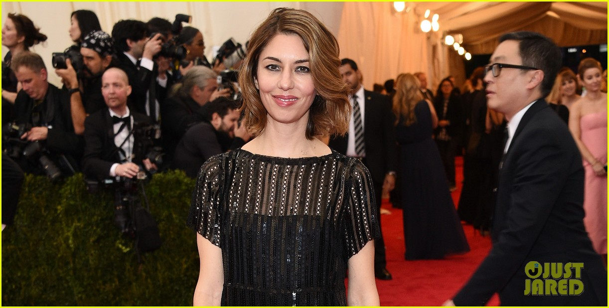 sofia coppola stands in front of the camera at met ball 2014 053106526