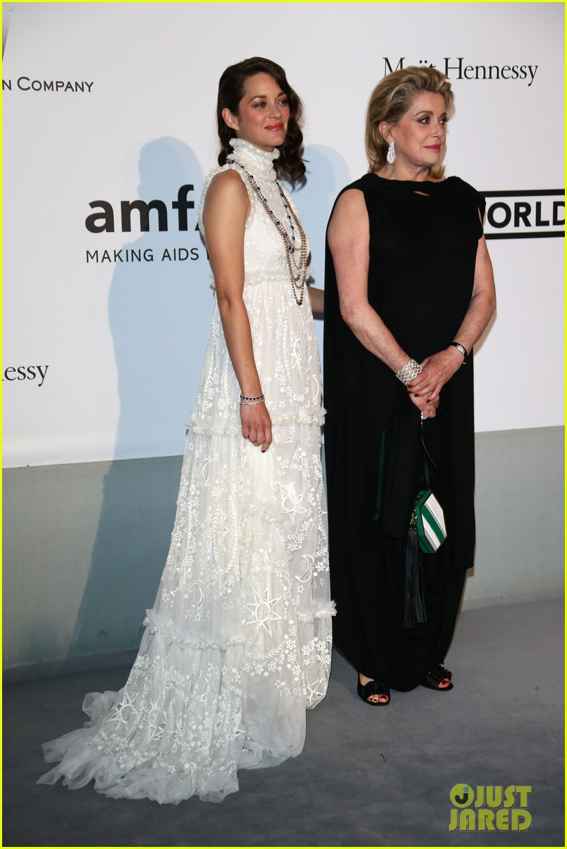 marion cottilard walks amfar gala 2014 red carpet with catherine deneuve 023119949