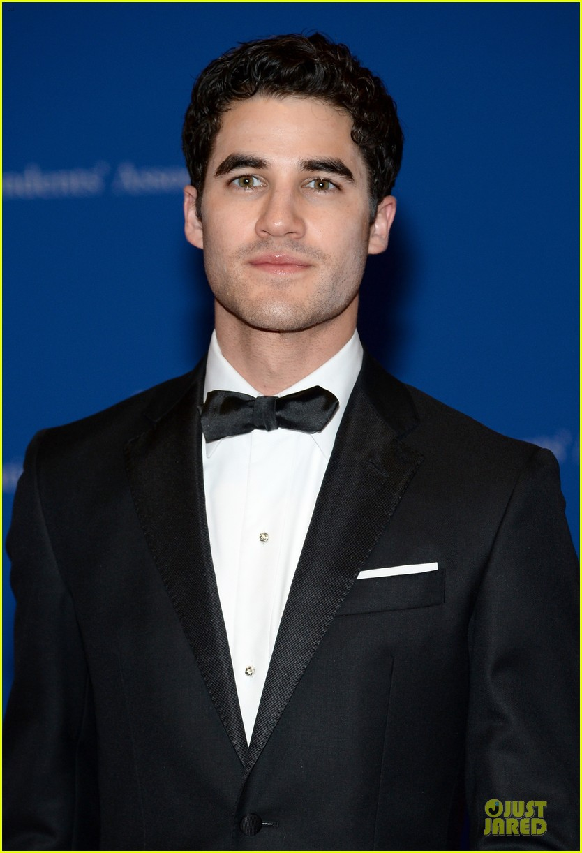 darren criss jeremy irvine white house correspondents dinner 2014 02