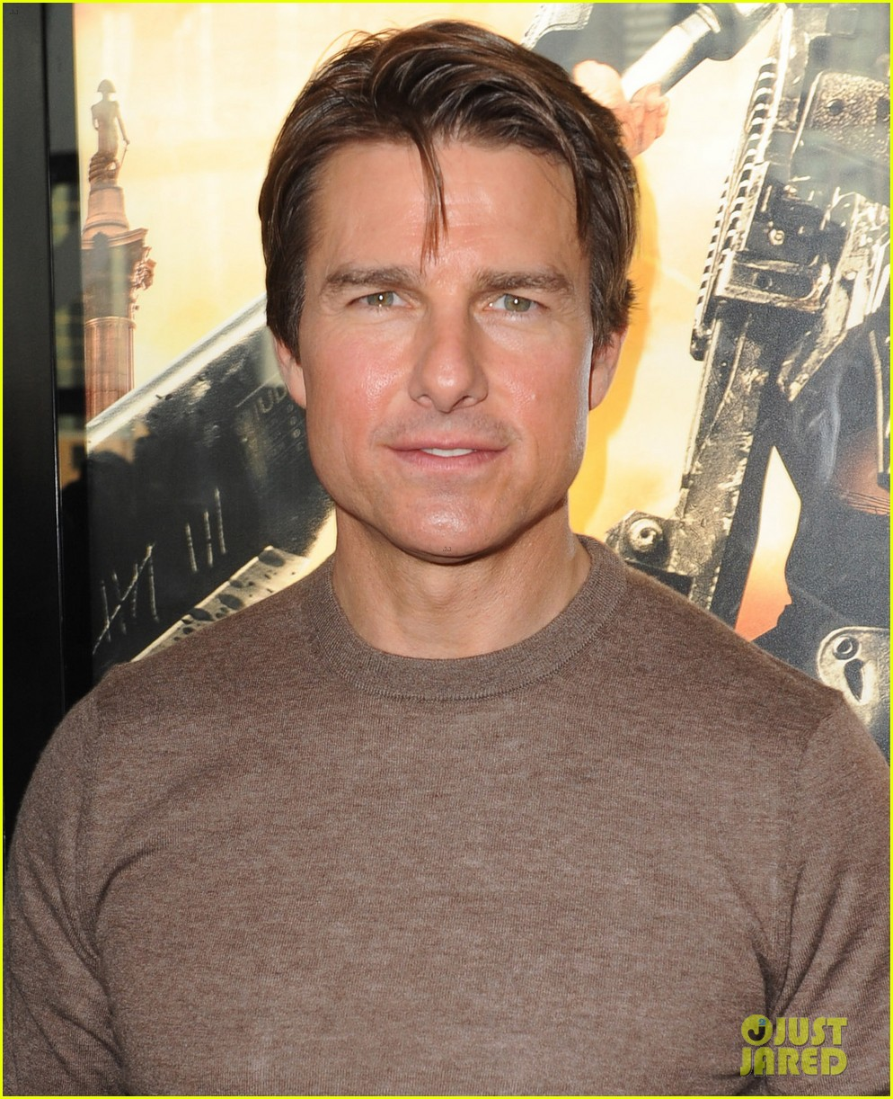 tom cruise dishes on edge of tomorrow co star emily blunt 033124521