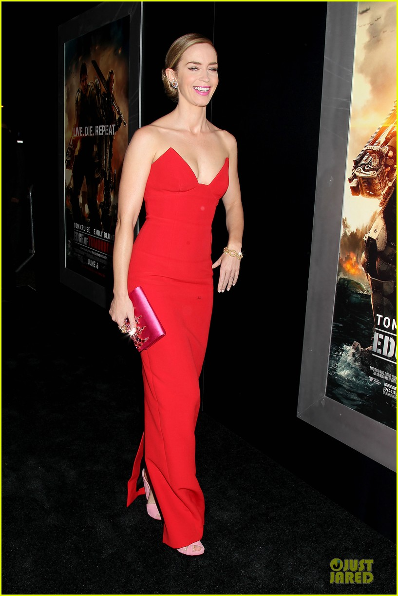 tom cruise emily blunt edge of tomorrow premiere final 103123594