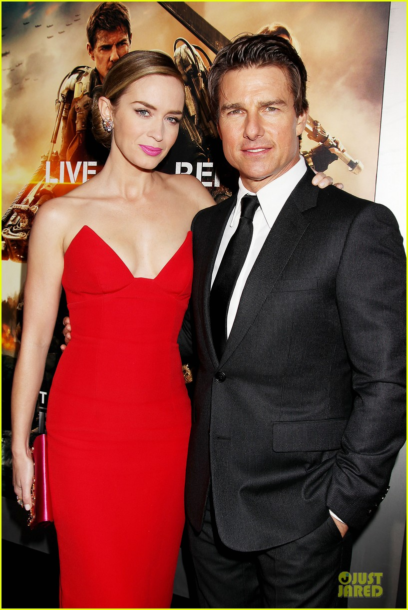 tom cruise emily blunt edge of tomorrow premiere final 153123599