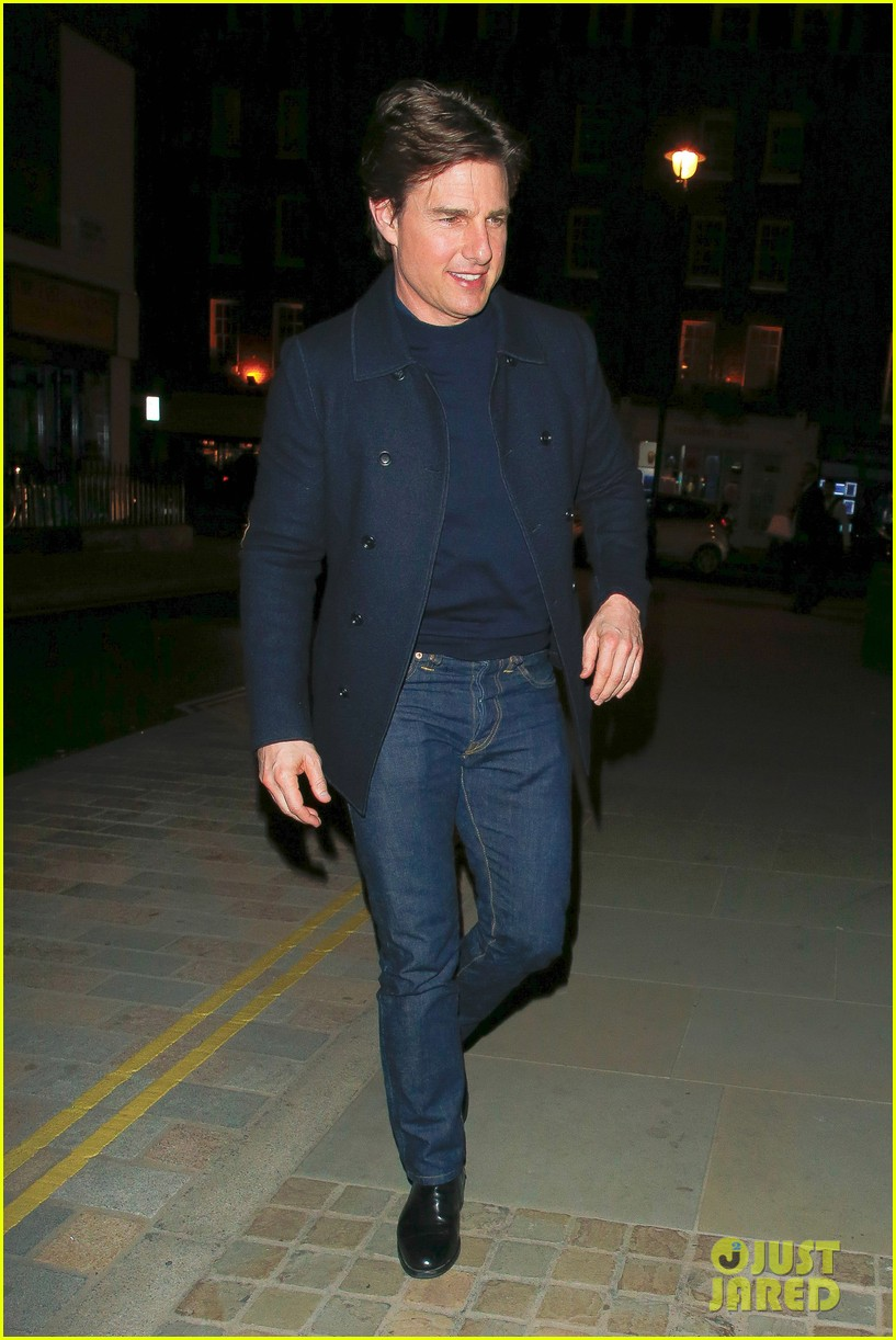 tom cruise jumped on oprahs couch nine years ago 113118517