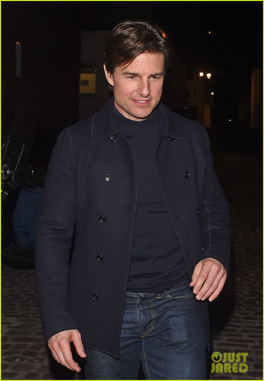 tom cruise jumped on oprahs couch nine years ago 183118524