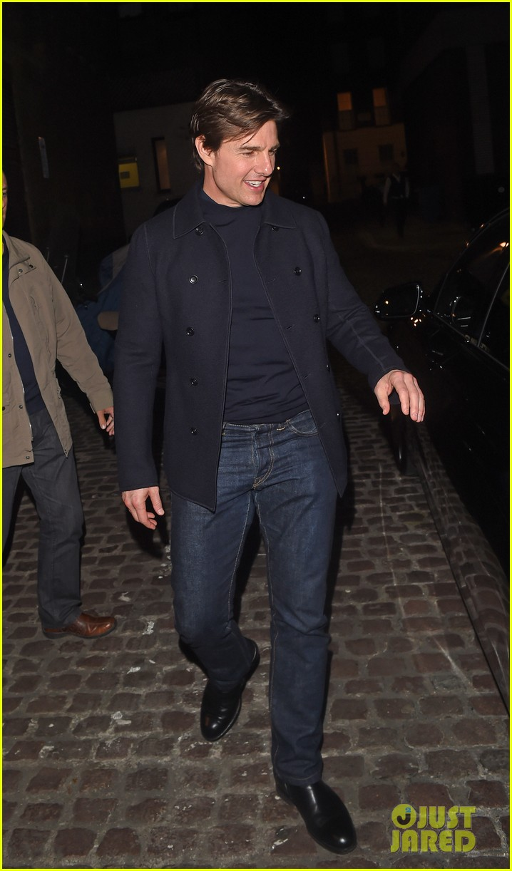 tom cruise jumped on oprahs couch nine years ago 233118529