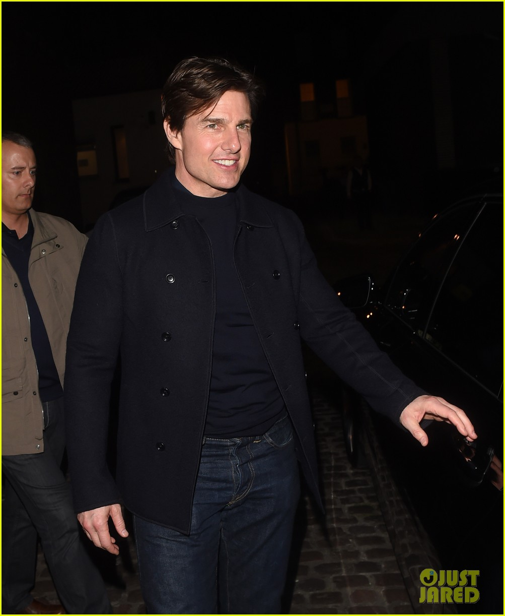tom cruise jumped on oprahs couch nine years ago 243118530