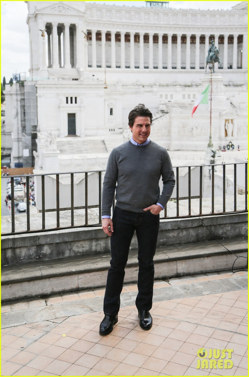 tom cruise getting prepped for three cities in one day 043122691