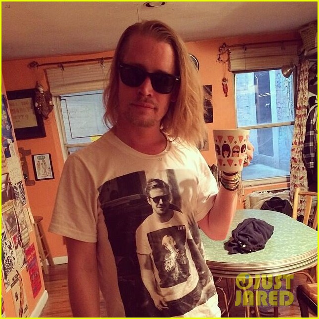 macauley culkin ryan gosling t shirt 033111562