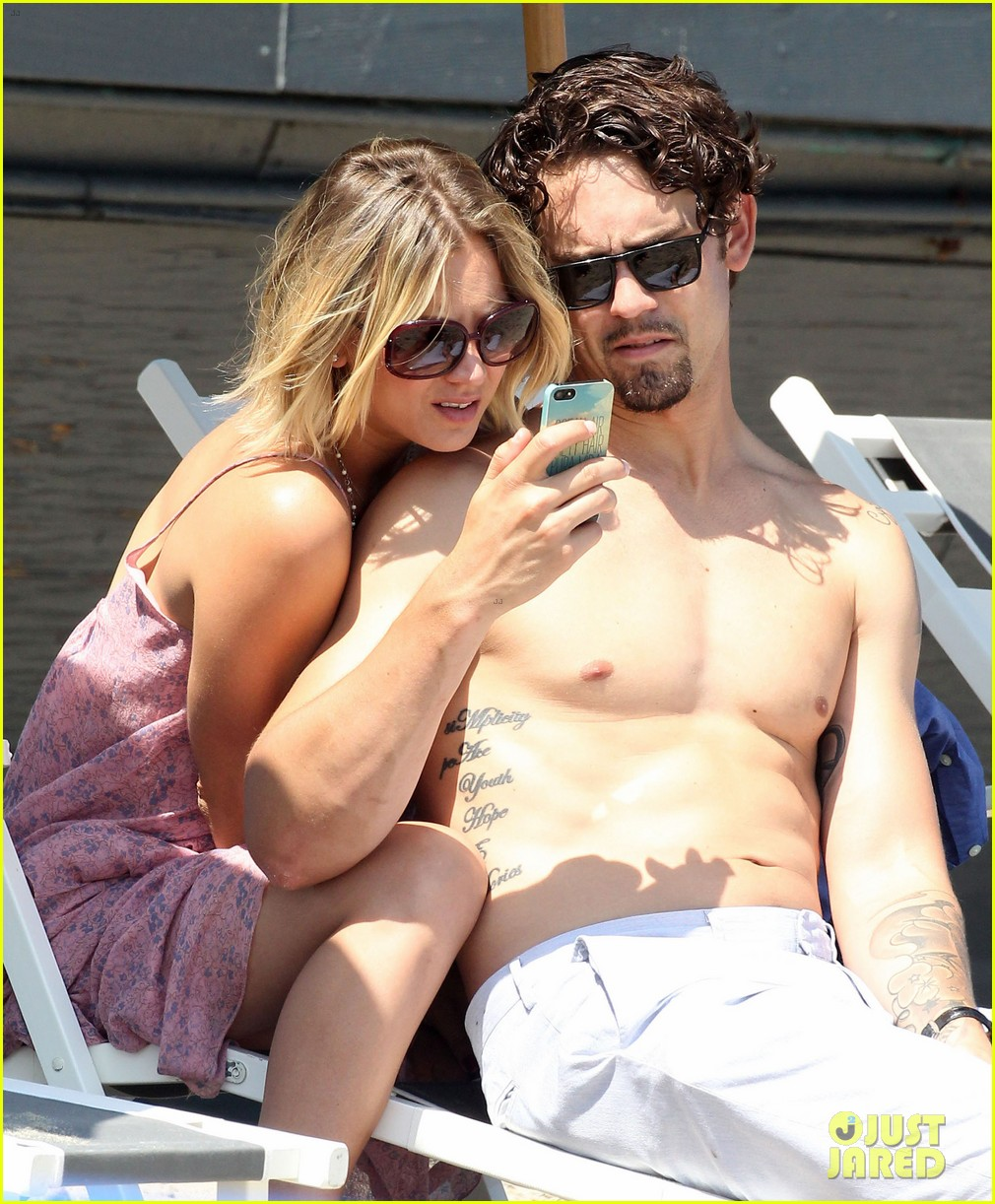 kaley cuoco hits up joel silvers memorial day party with ryan sweeting 203122553