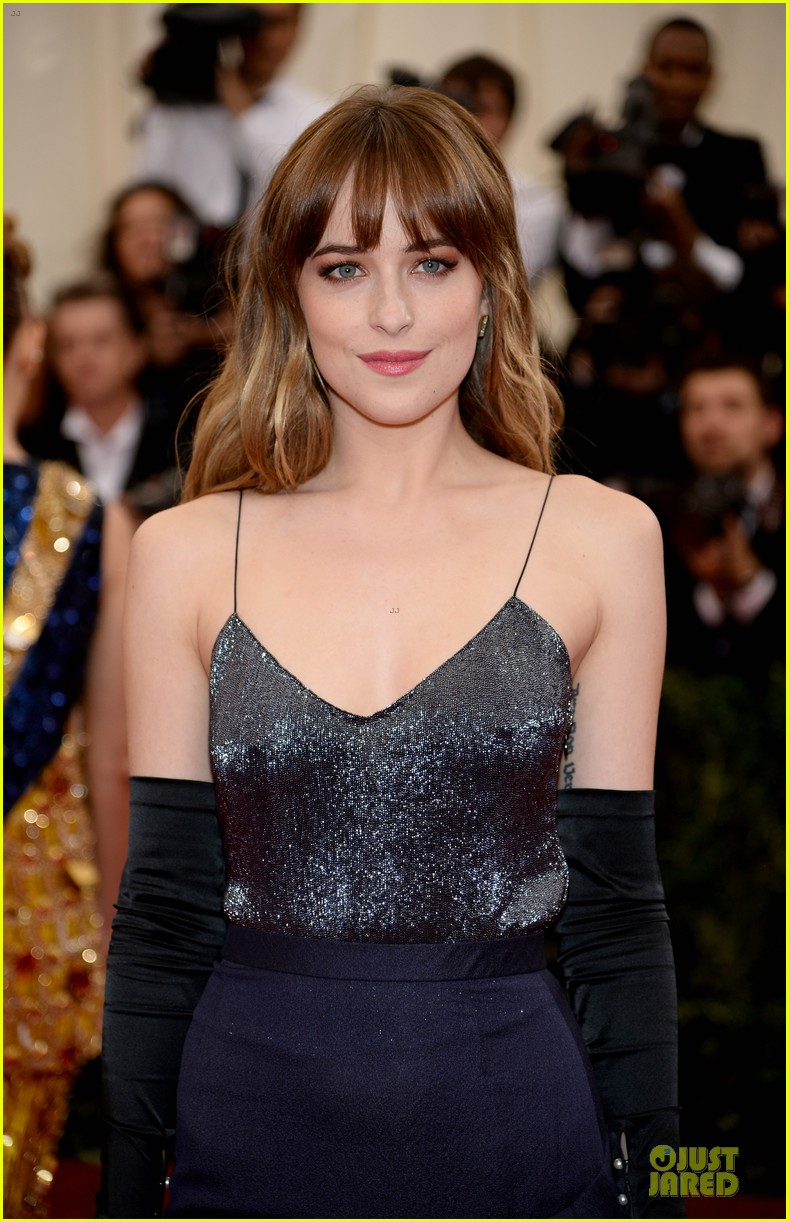dakota johnson makes jason wu proud met ball 2014 02