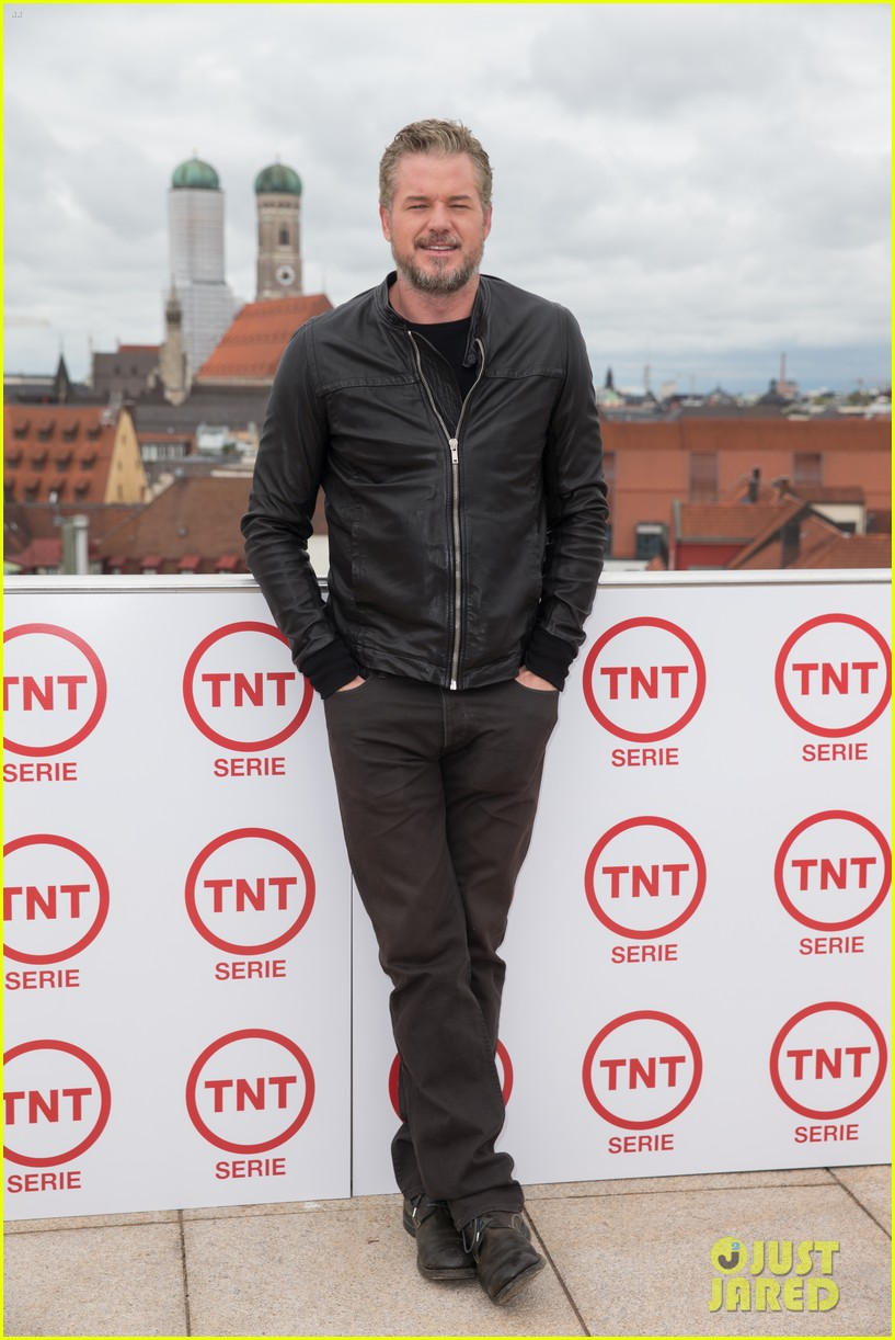 eric dane never disappoints in a great looking suit 04