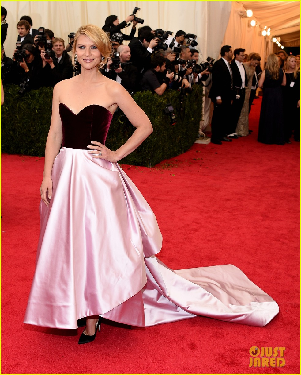 claire danes hugh dancy are perfectly picturesque at met ball 2014 043106244
