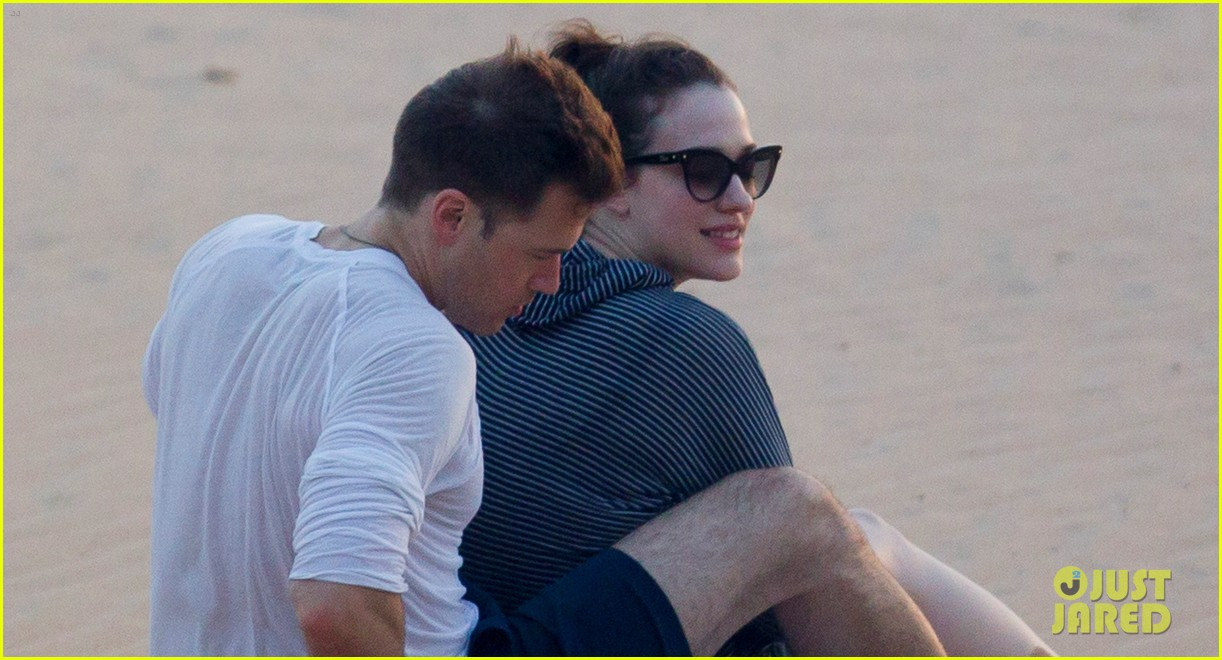 kat dennings nick zano enjoy romantic sunset in hawaii 033103925