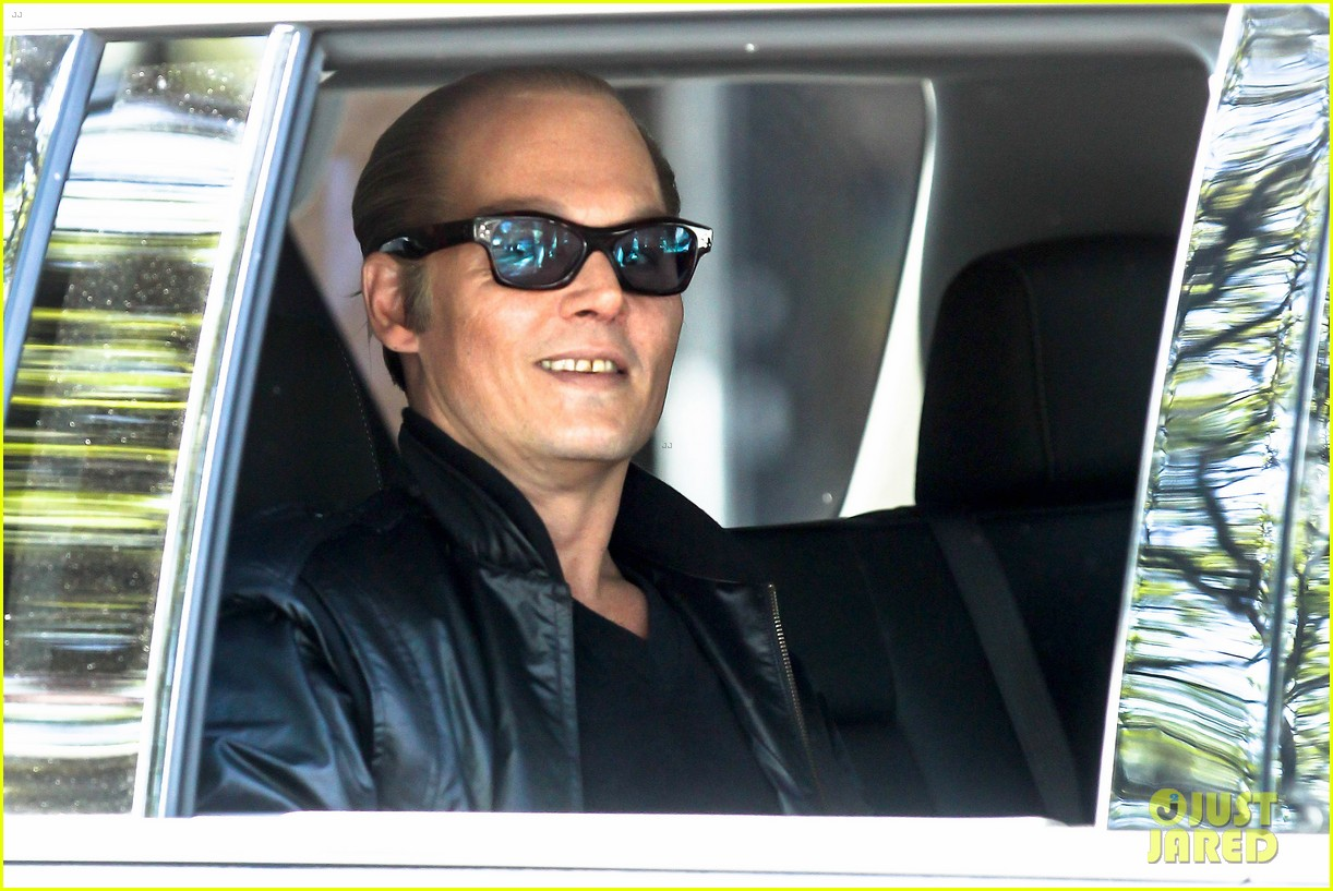johnny depp almost looks like jack nicholson in movie makeup 063119254