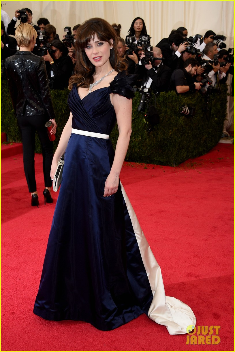 zooey deschanel represents tommy hilfiger on met ball 2014 red carpet 033106226