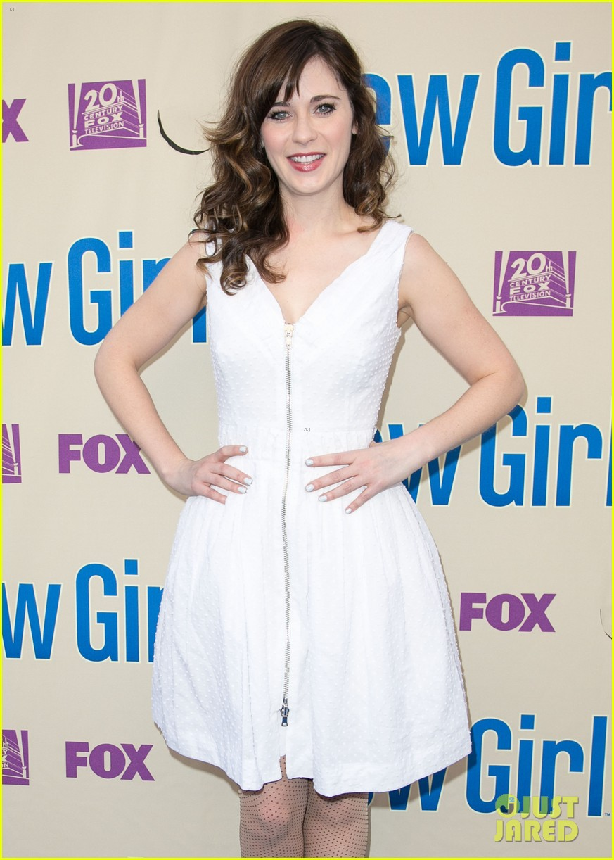 zooey deschanel joins new girl cast for season three finale screening 02