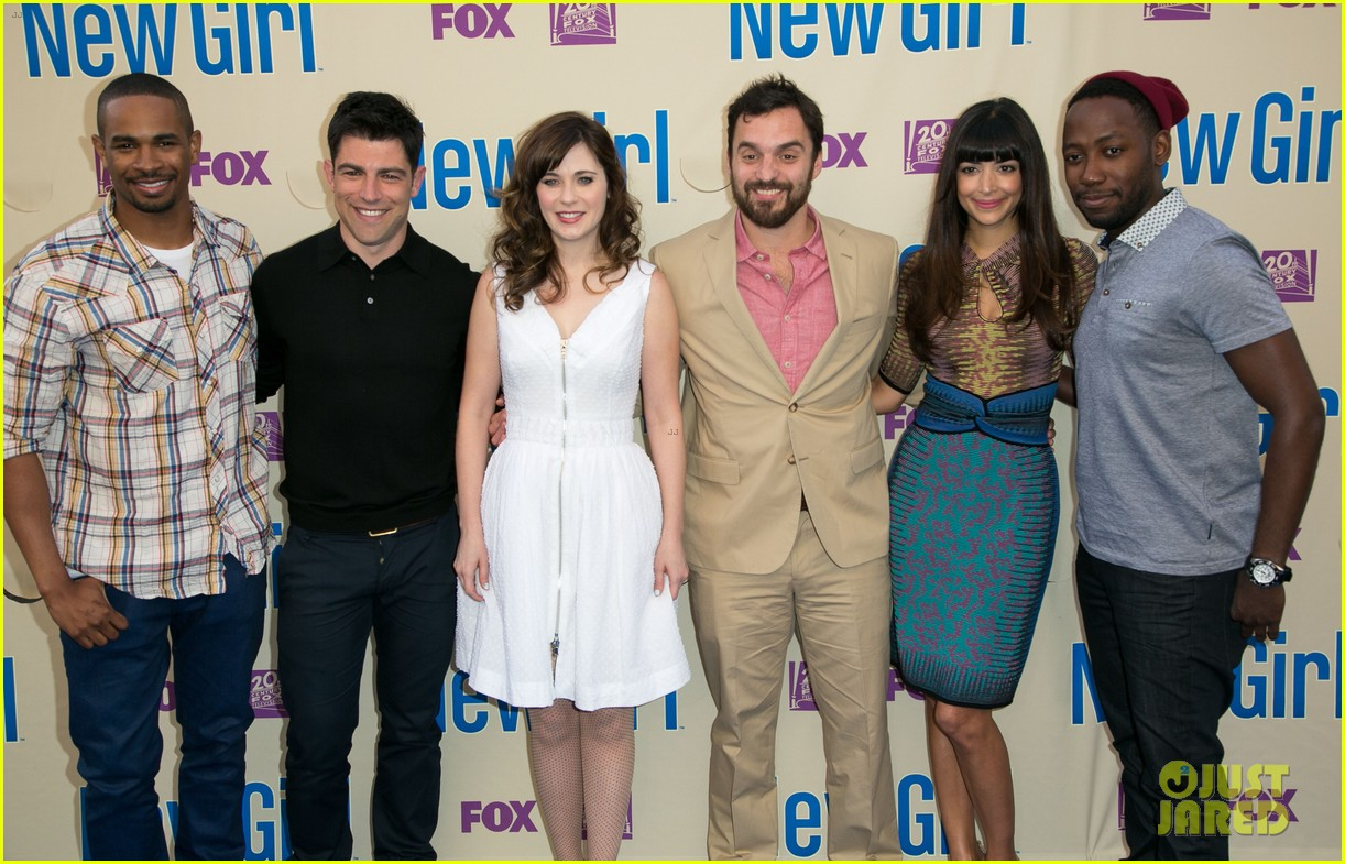 zooey deschanel joins new girl cast for season three finale screening 063109313