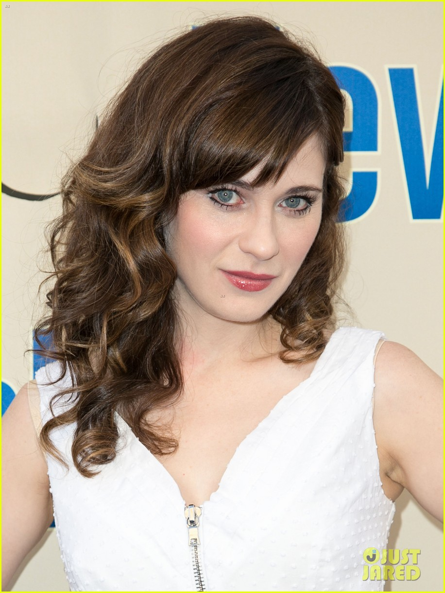 zooey deschanel joins new girl cast for season three finale screening 10